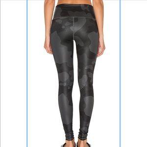 ALO Yoga Pants - ALO YOGA high-waist camo airbrush Legging